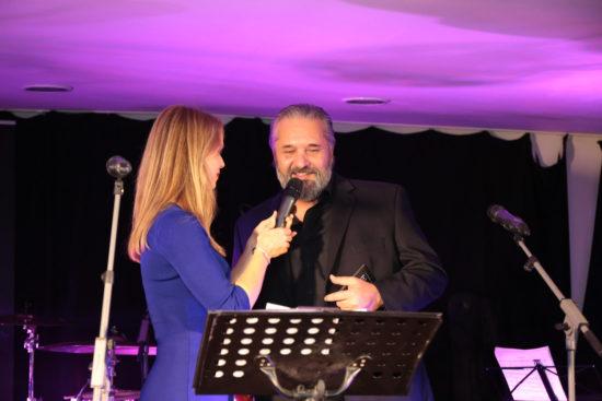 Krstnou mamou albumu Posledné tango je Lucia Hablovičová. Na cédečku sú aj skladby nahrané so speváčkou Kristínou Greppelovou (vľavo).
