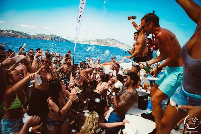 Cirque De La Nuit boat party